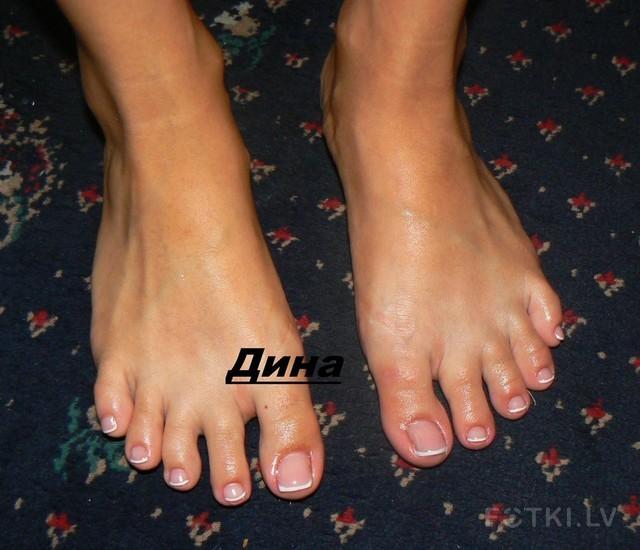 Гелевые ногти на ногах 70