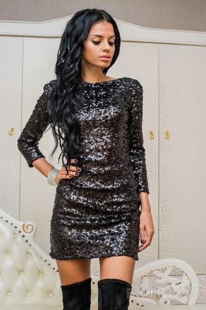 Черное платье с паетками