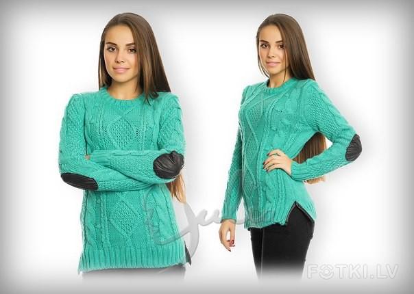 Вязанный свитер без горла