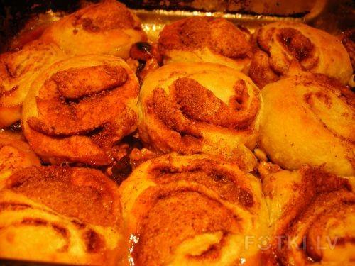 """Липучие"" булочки (Sticky buns) от Peter Reinhart"