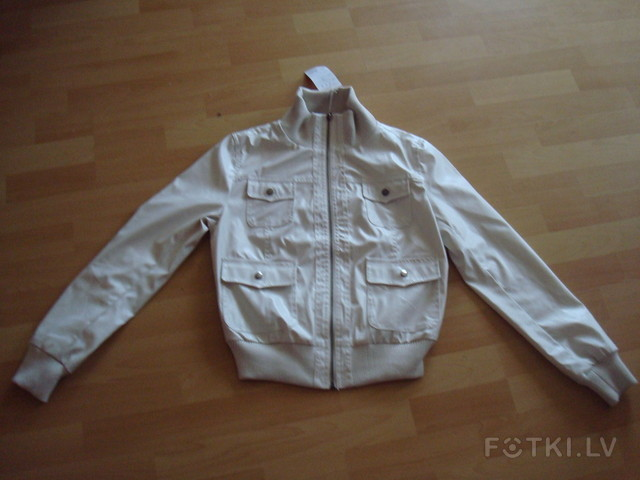 Белая куртка размер М - 6.00 Ls