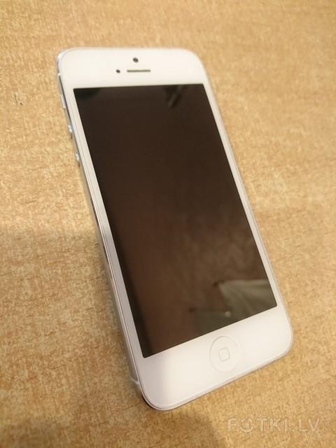 Apple iPhone 5 16GB =  100eur