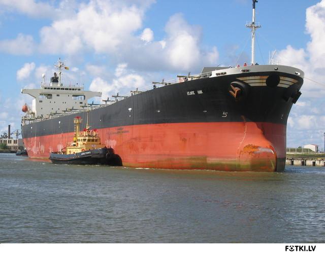 Корабль заходит в Венту