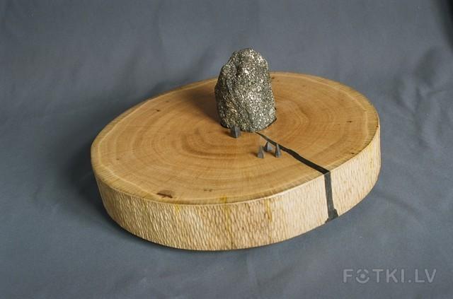ВХОД. дуб, камень. 14х31