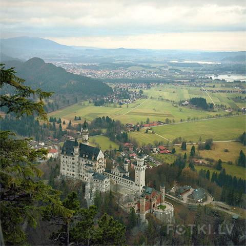 Dream Castle (Rolleiflex, Portra 400VC)