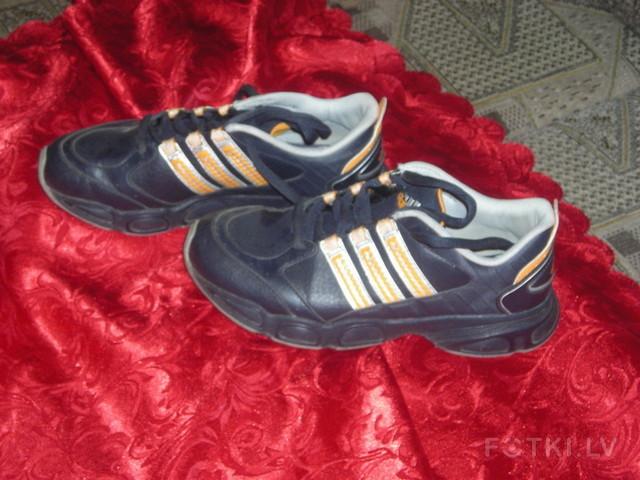 кроссовки addidas3 лата,37 размер