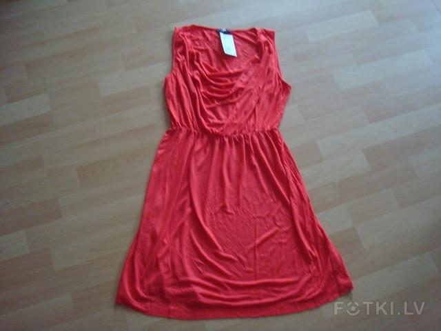H&M красного цвета, размер М. 100% viskoza - 3,00 Ls