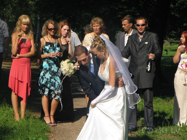 девушкой свадьбе с знакомство друга на