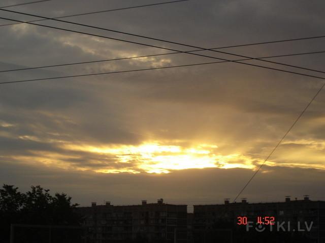 Рассвет в городе