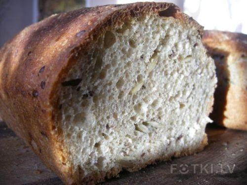 """""""Хлеба с тыквенными семечками""""/""""Pain aux graines de courge""""."""
