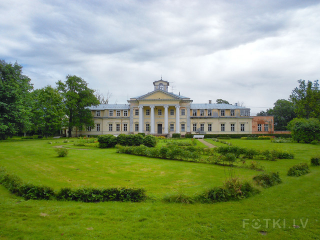 Sigulda 2012: Кримулдский дворец.