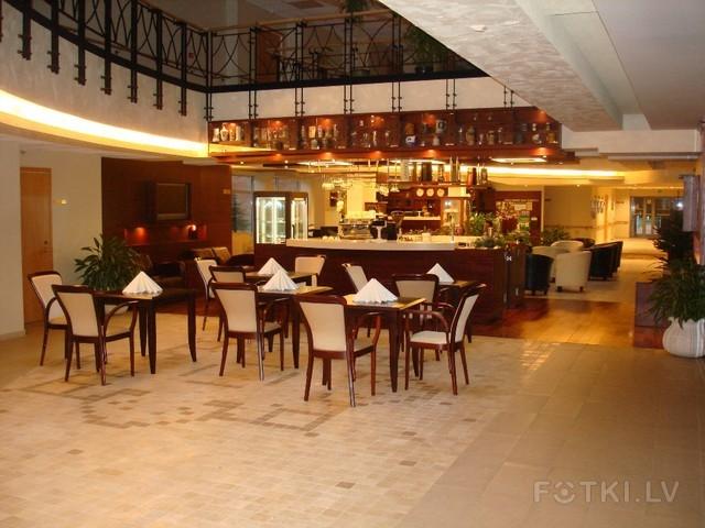 кафе-бар в холле Резиденции